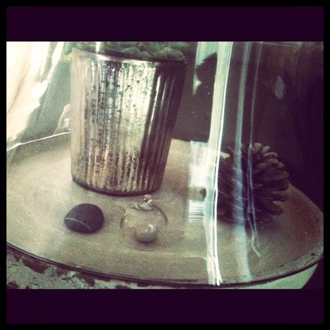 Bell jar close